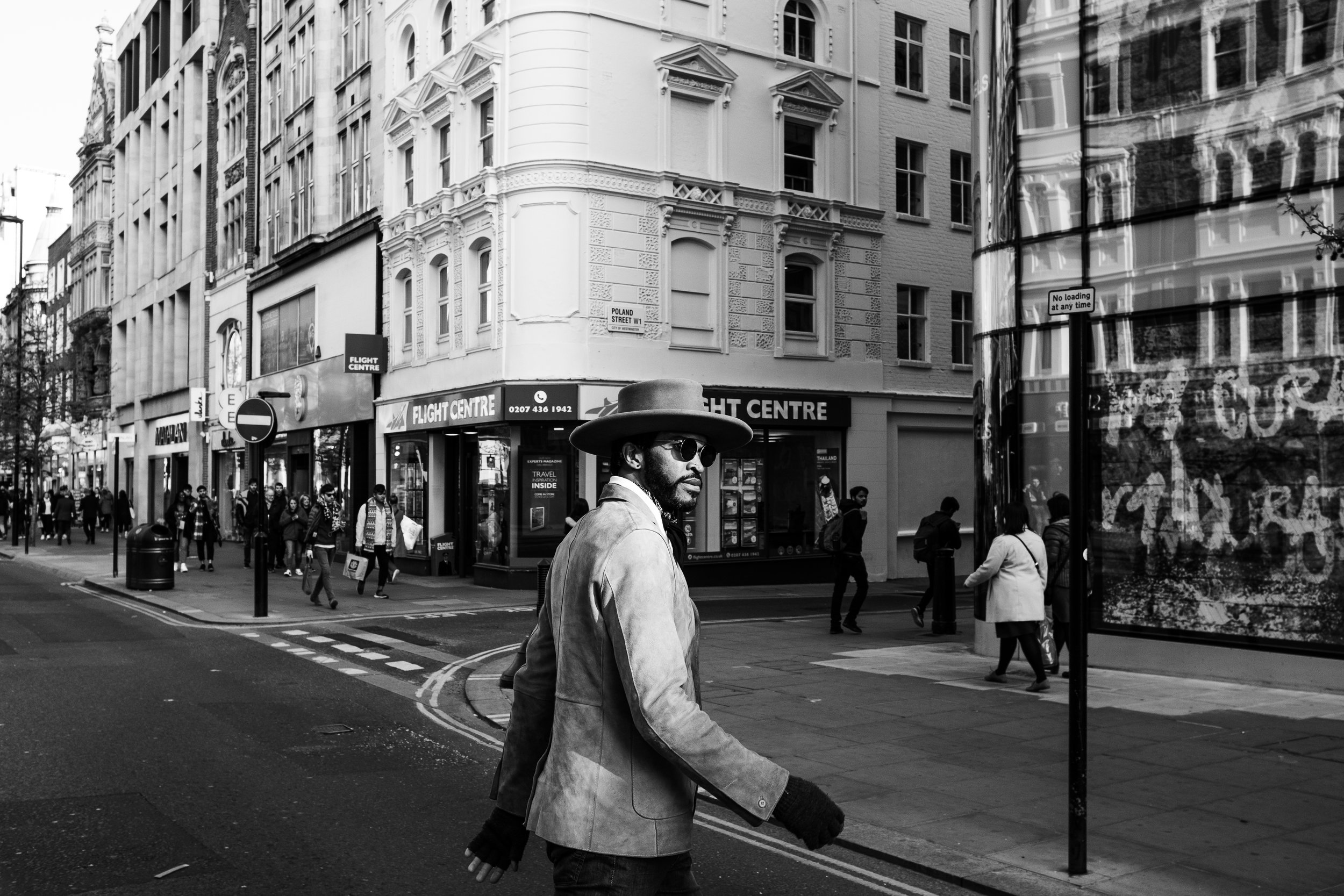 Emmett In London-9.jpg
