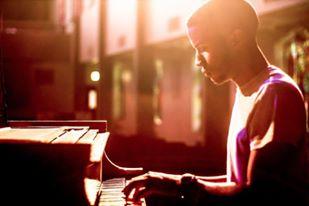Orlando Palmer | Music Director & Keys