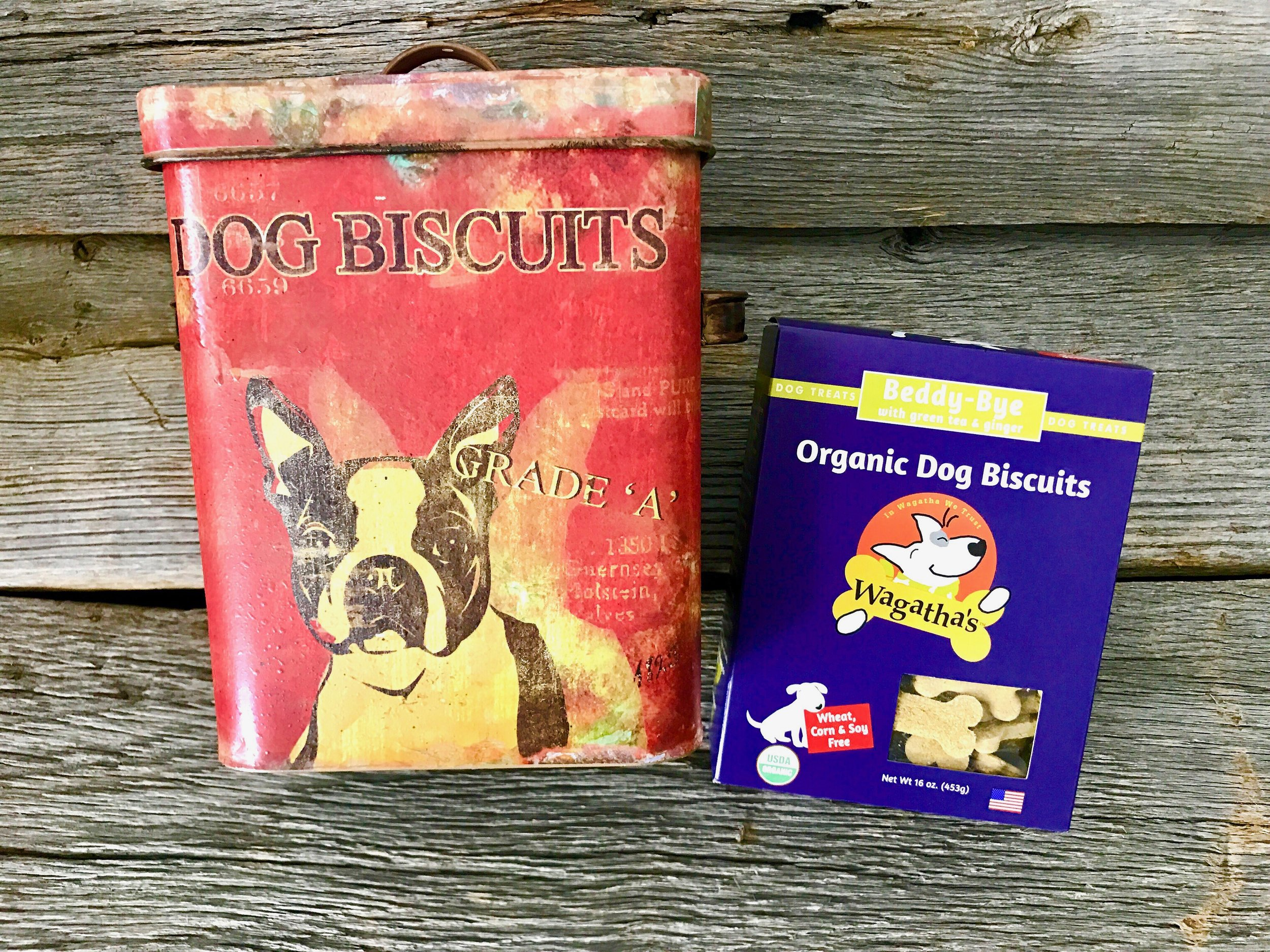 Dog Biscuit Tin + Organic Dog Biscuits - Our organic dog biscuits are perfect to store in this amazing vintage inspired tin box measuring 9