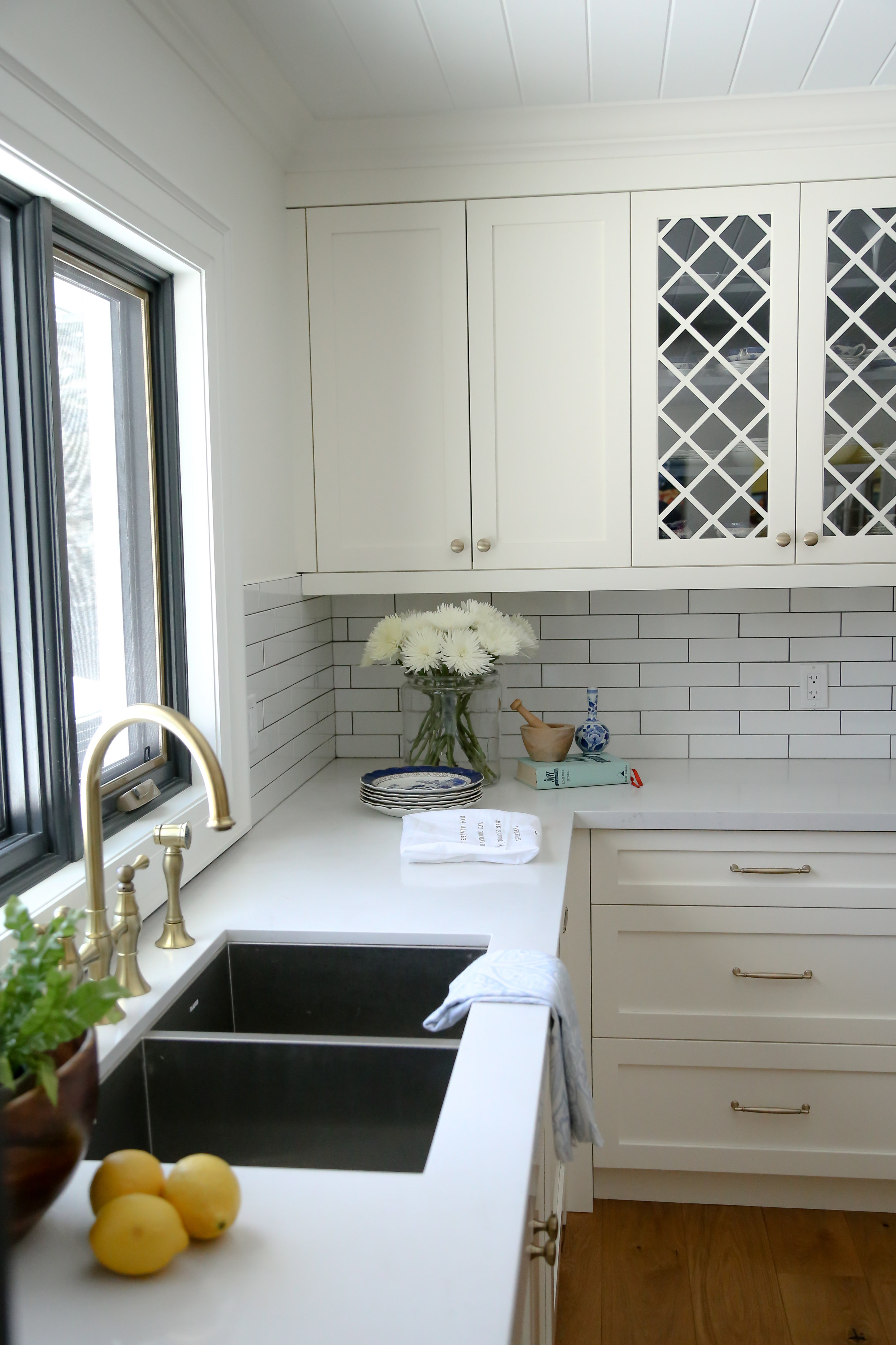 Burnside Cottage kitchen renovation. Courtesy of Kelly Tomlinson Photography.
