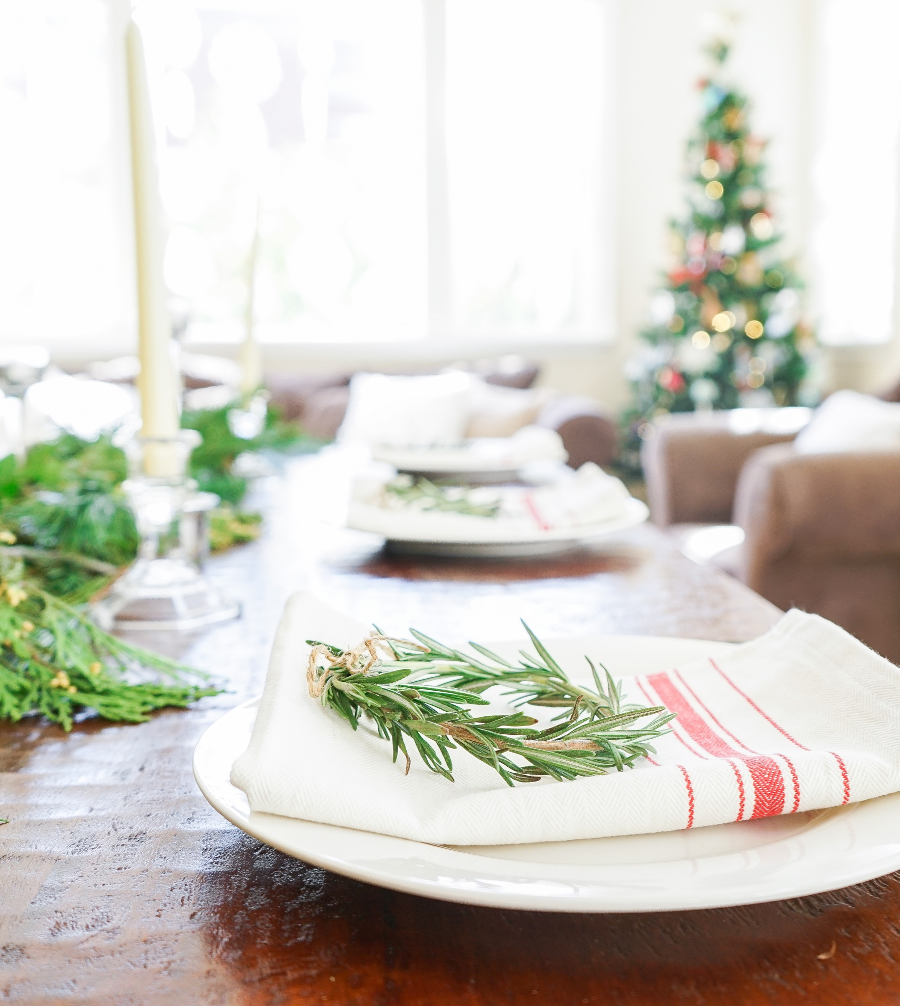 Rosemary wreath place settings