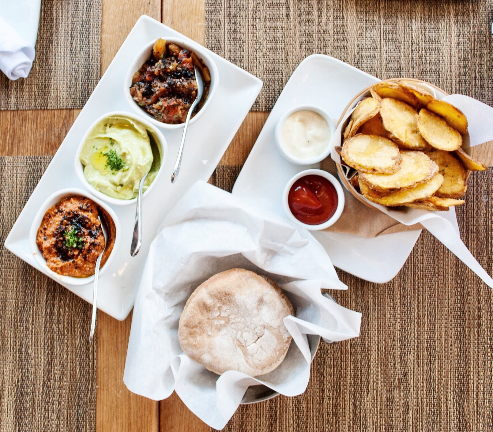 Momed Plate and Momo Chips at Momed, Beverly Hills - Brunchographers