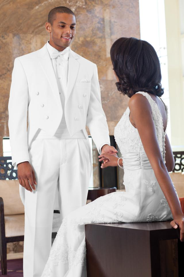 wedding-tuxedo-white-troy-fulldress-571-1.jpg