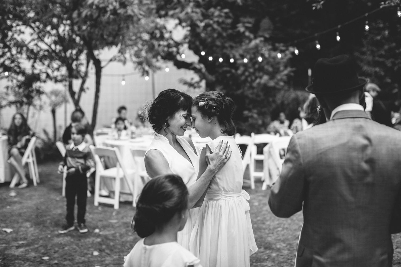 Sebastopol Backyard Wedding Rachelle Derouin Photographer-63.jpg