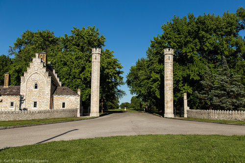 entrance4.jpg