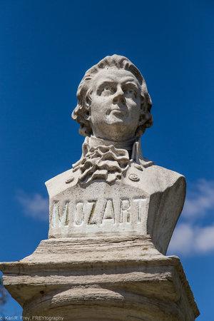 Bust-Mozartr-4.jpg