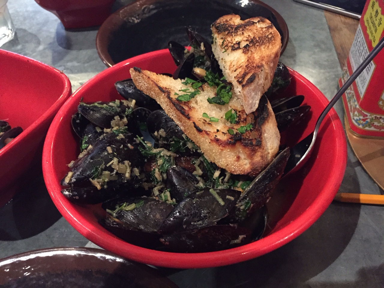Wok Roasted Lemongrass Mussels