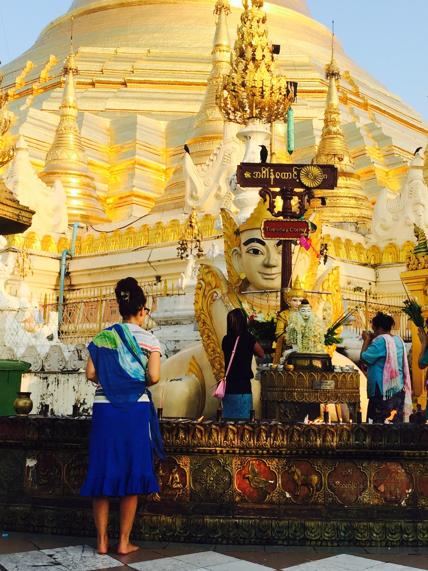 Wendy at Shwedagon.jpg