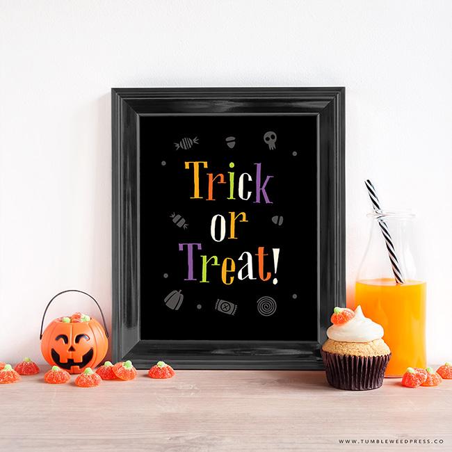 Trick or Treat Halloween Wall Art Printable by www.tumbleweedpress.co