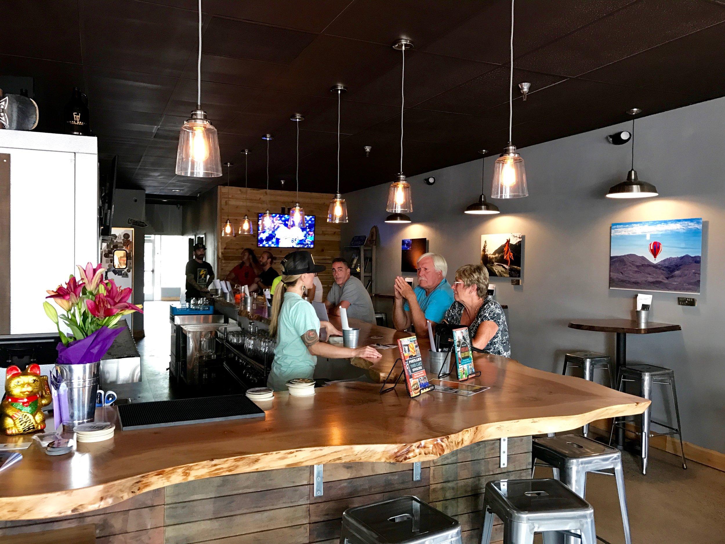 Final Draft Tap House Inside - Bar