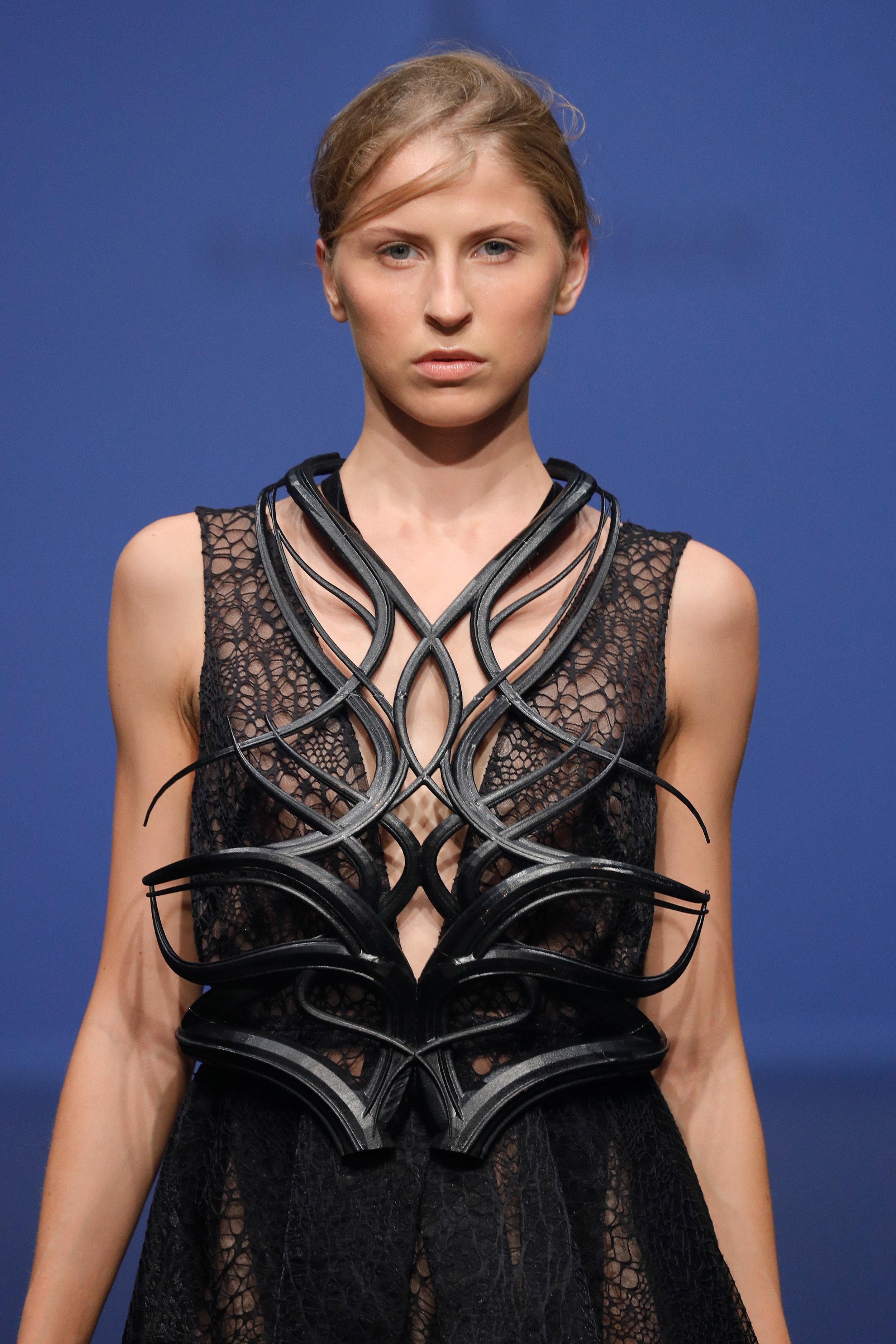 Nostroma dress at Voxelworld