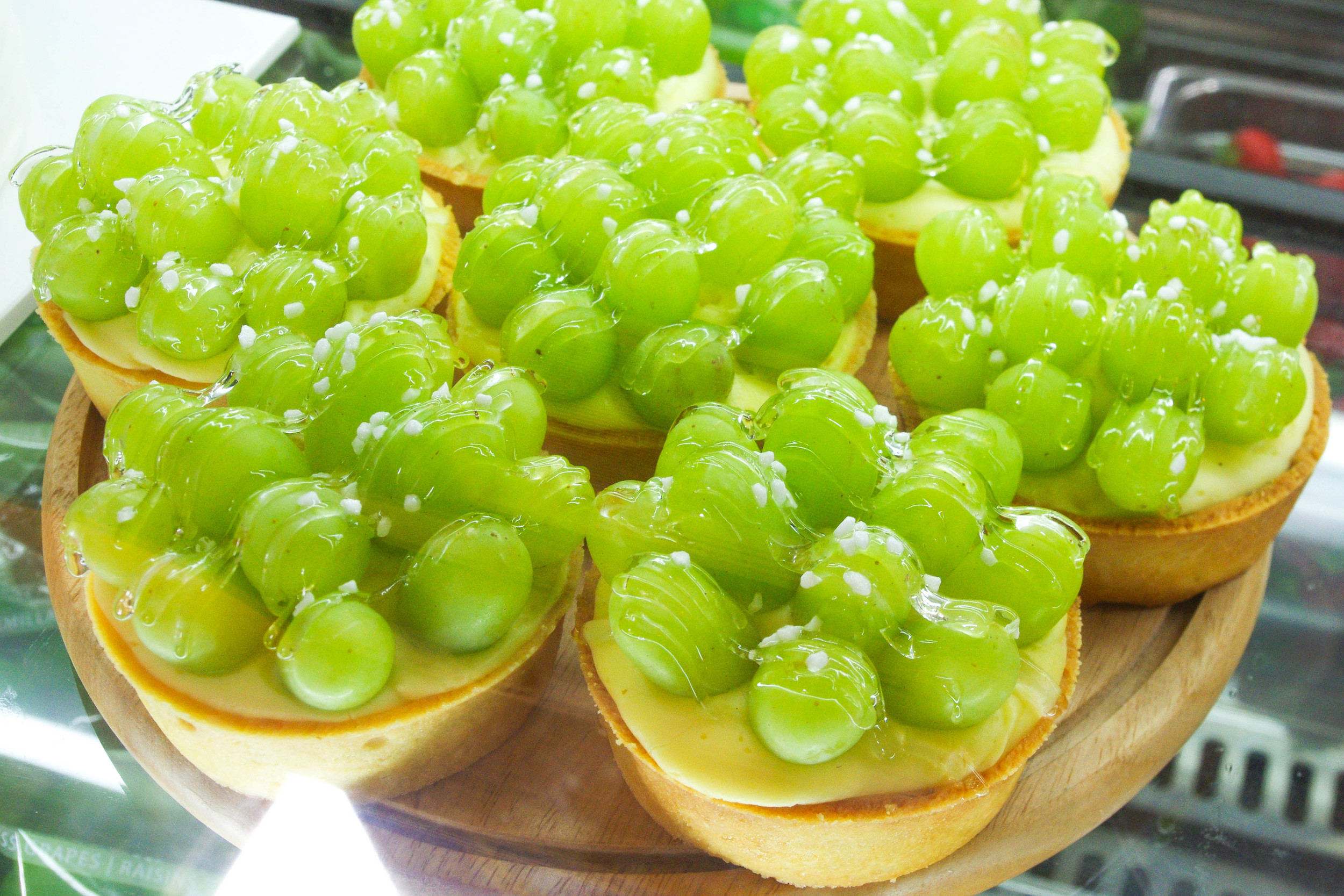 A tart with whole giant green grapes? Adorable!