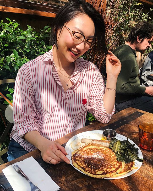 This is my bliss 😍 There's a delicious blog post sharing my NEW FAVOURITE BRUNCH SPOT in Seattle! Catch up on what's happening in my life and relive this dreamy sunny spring day at www.misslialee.com!(direct link in my bio) 🥞✨🌿 . . . . . #brunchqueen #okseeyou #summerdreaming #foodmarketing #contentstrategist #koreanamerican #followyourdreams #seattlelife #londonlife #seattlecreative #asianamerica #asianactress #asianactress #savvyblogging #whatimwearing #westcoastbestcoast #biophilia  #seattlerestaurants #seattlefoodie #greeninteriors #summeroutfit #seattlesun #pnwbest #hungrylady #vintagefinds #secondhandclothes