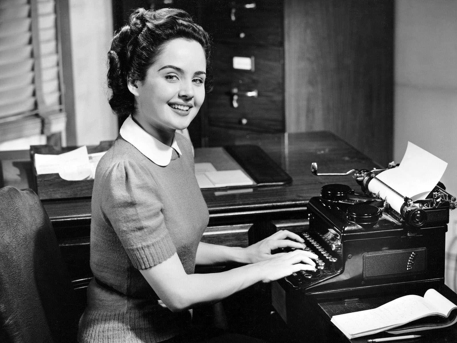 50's lady at typewriter.jpg