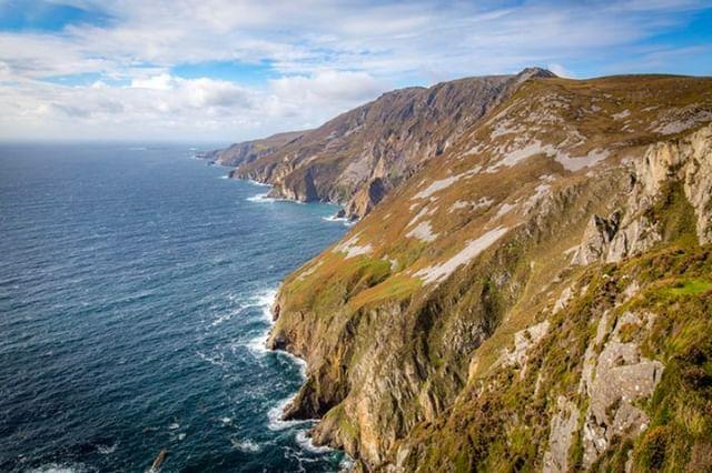 Few things are as beautiful as the sun rising over the cliffs of our homeland! #Ireland #mollysirishcream #irishcream #liqueur #cocktails #drinks #bartender #irish #ireland #love #friends