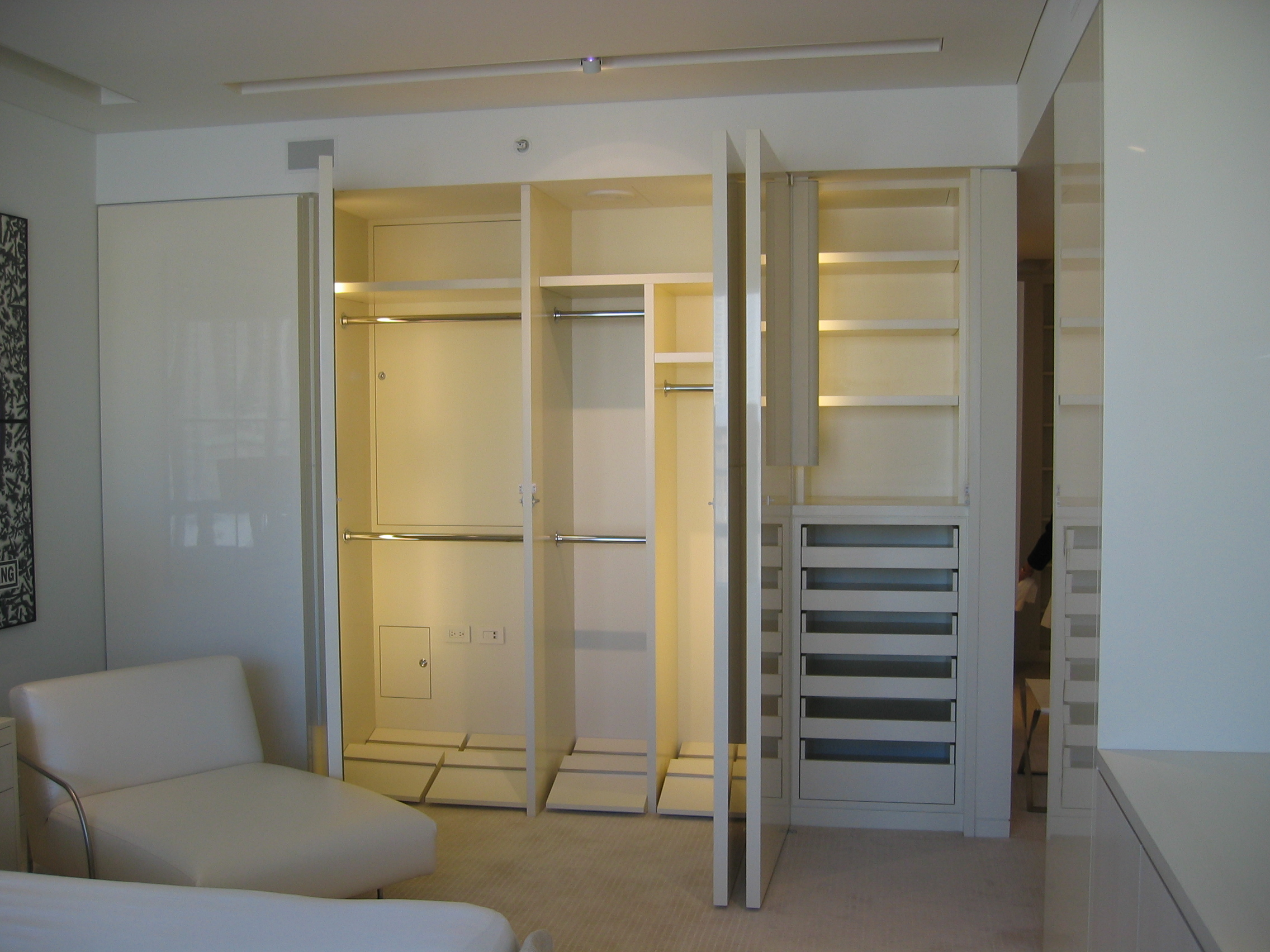 High Gloss Closet