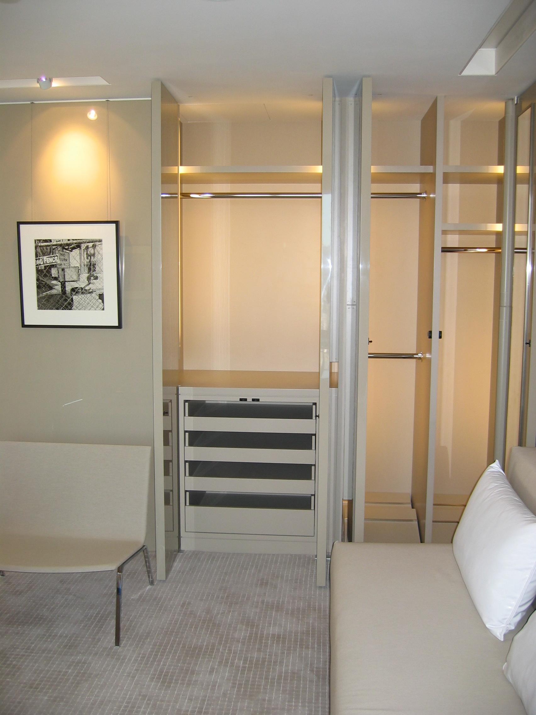 High Gloss Office Closet Unit