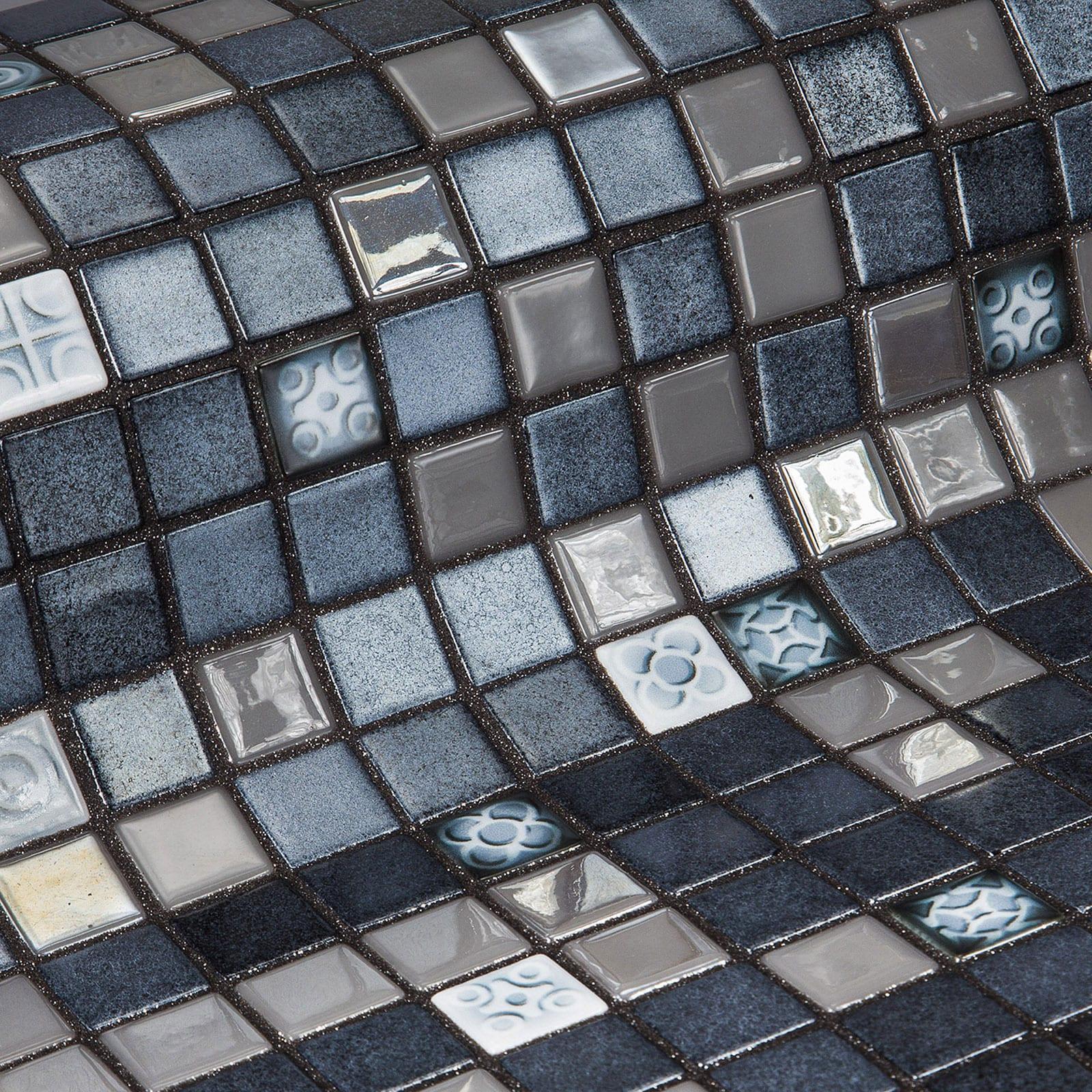 3-Silver-Bits-Topping-Mosaic-Ezarri.jpg