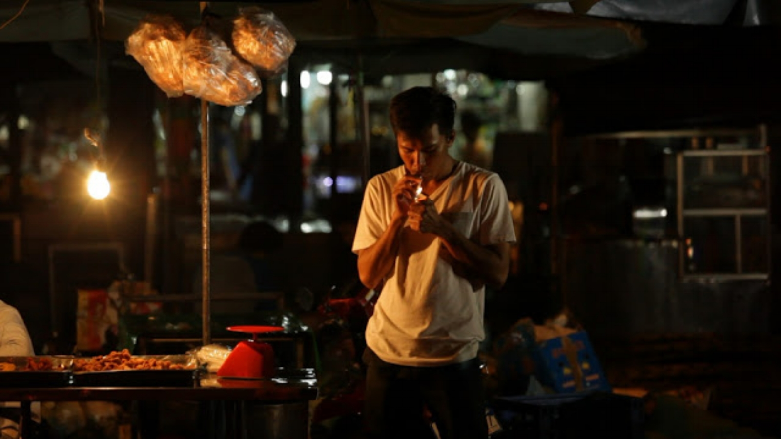 Kavich Neang /Cambodia / 2015 / Kher / 16min   Hidden in a hotel in the capital city of Phnom Penh, a young couple spends their final days together before the girl returns to her home country.    Director:  Kavich Neang studied Cambodian music and dance at Cambodian Living Arts from 2002 to 2009. He graduated from Limkokwing University in 2013, majoring in graphic design.  In 2010, he made a short documentary film A Scale Boy while attending a documentary film workshop led by Rithy Panh, the internationally acclaimed Cambodian documentary filmmaker. In 2013, he joined the Busan International Film Festival's Asian Film Academy as the programme's first Cambodian filmmaker