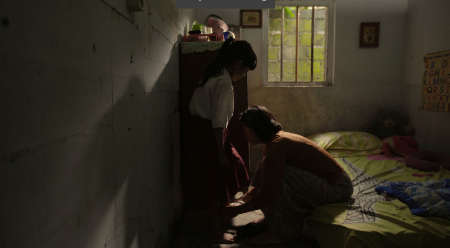 """Adi Marsono / Indonesia / 2017 / Bahasa Indonesia &Javanese / 9min   A housewife is running errands while her husband is still asleep. The wife asks the husband to take the children to school, but he continues to sleep. So she takes the children to school anyway. The wife doesn't realize it's Sunday.   Director:  Adi Marsono was born in Yogyakarta, Indonesia. He was graduated from antrophology department, Gajah Mada University, Yogyakarta, Indonesia. In 2003, he started his career in films as an actor. He is learning to make films on his own by being involved as an director assistant. """"Semalam, anak kita pulang"""" (Last Night, Our Daughter Back Home) is his first short film as a director and scriptwriter and """"Kisah di Hari Minggu"""" (Sunday Story) is his second short film.   Producer:  Edi Cahyono"""