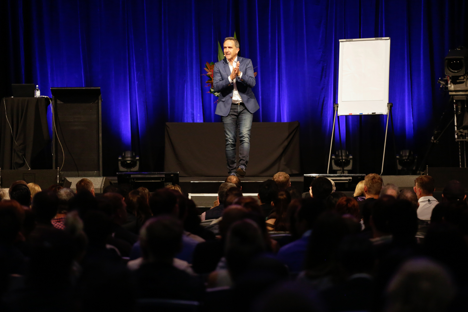 The Mentor List Podcast - Scott harris Live on Stage at Tony Robbins Event