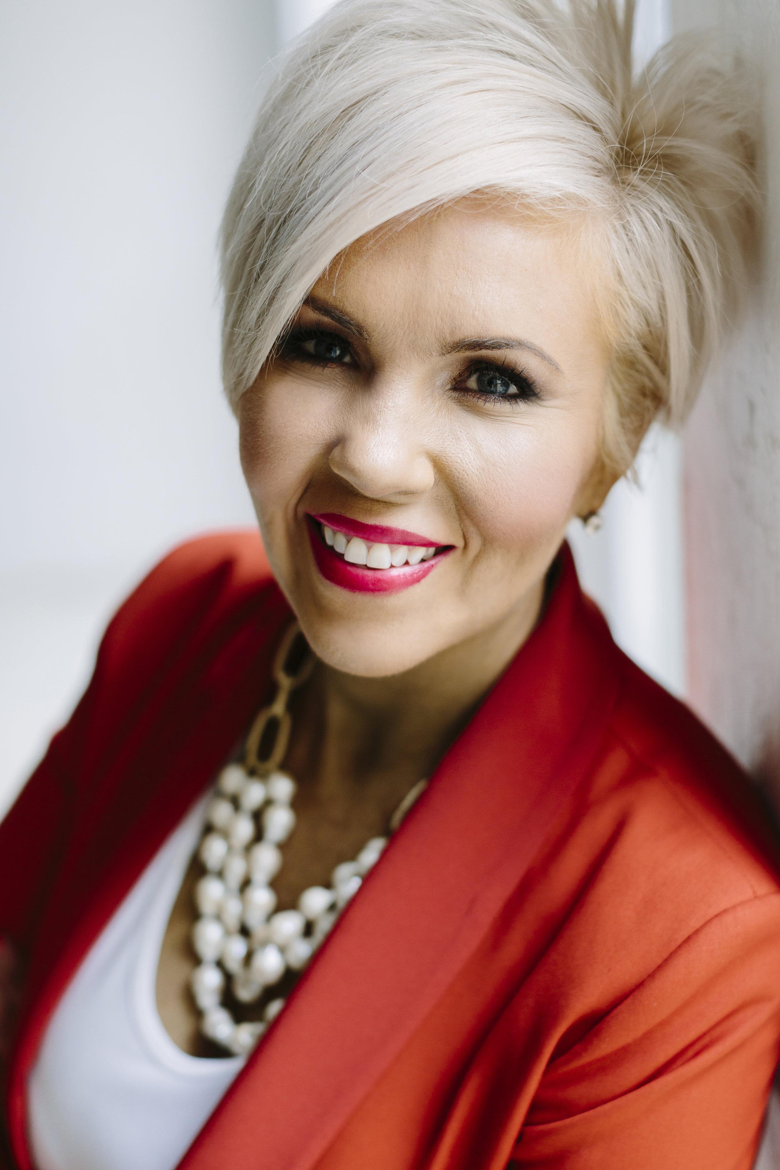 Influencer Expert | Author 5 Books on Branding & Communication | Certified Speaker | Mentor to Female Industry Leaders
