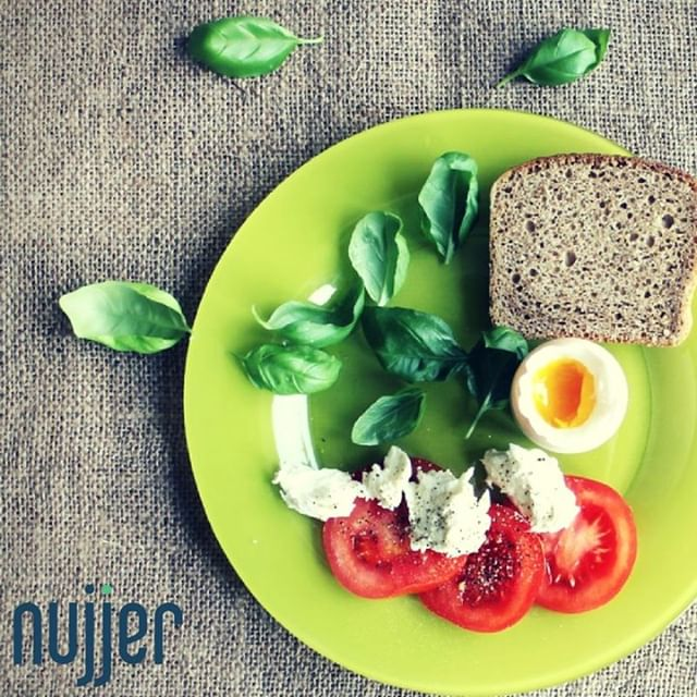 Worried about portion sizes? Try using a smaller plate to eat your meals. Feel full with less food! #HealthyEating #PreventingType2 #preventdiabetes #t2d #diabetes #type2diabetes #food #foodportions