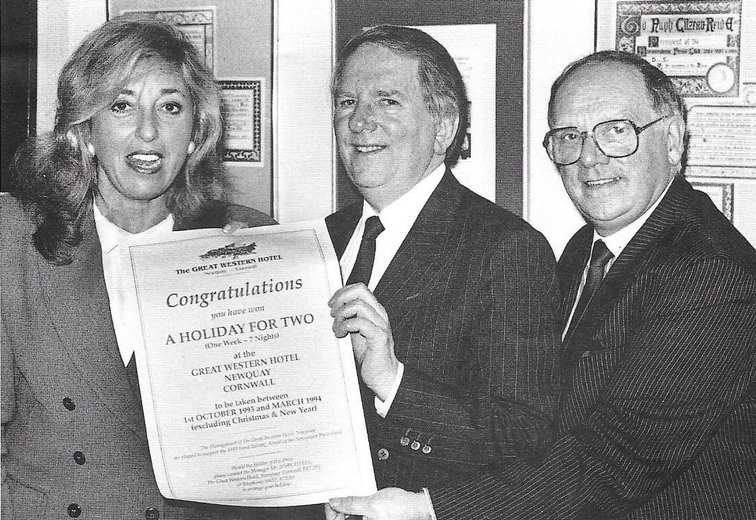Eve Pollard pictured at the first celebrity lunch with Alan Deeley (centre) and Gerry Armes