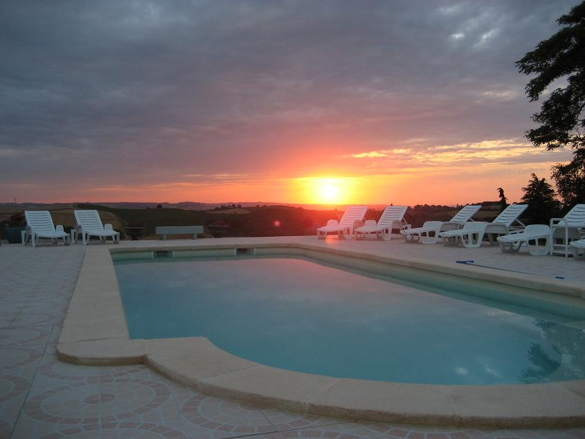 pool by night.JPG