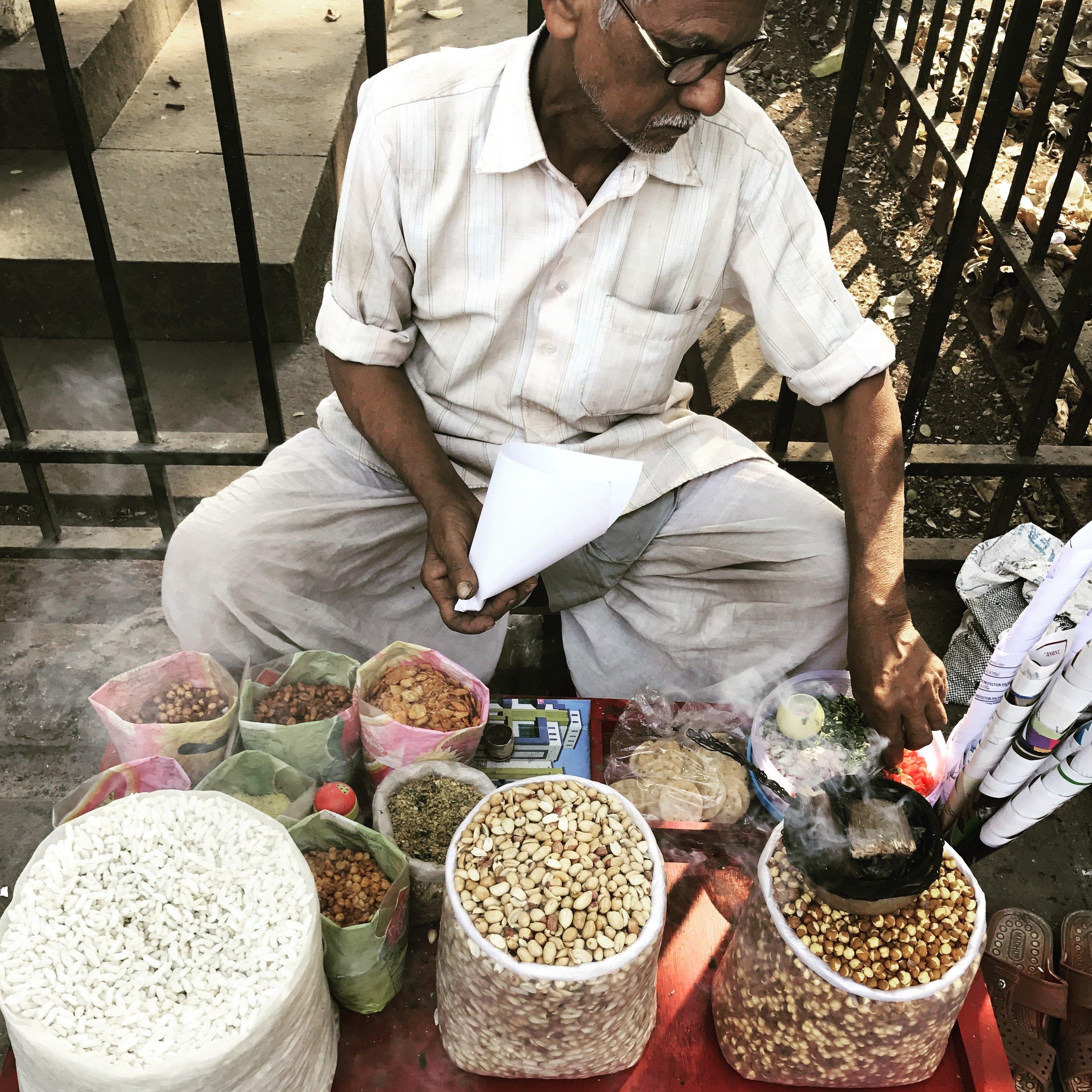 Mumbai chaat vendor