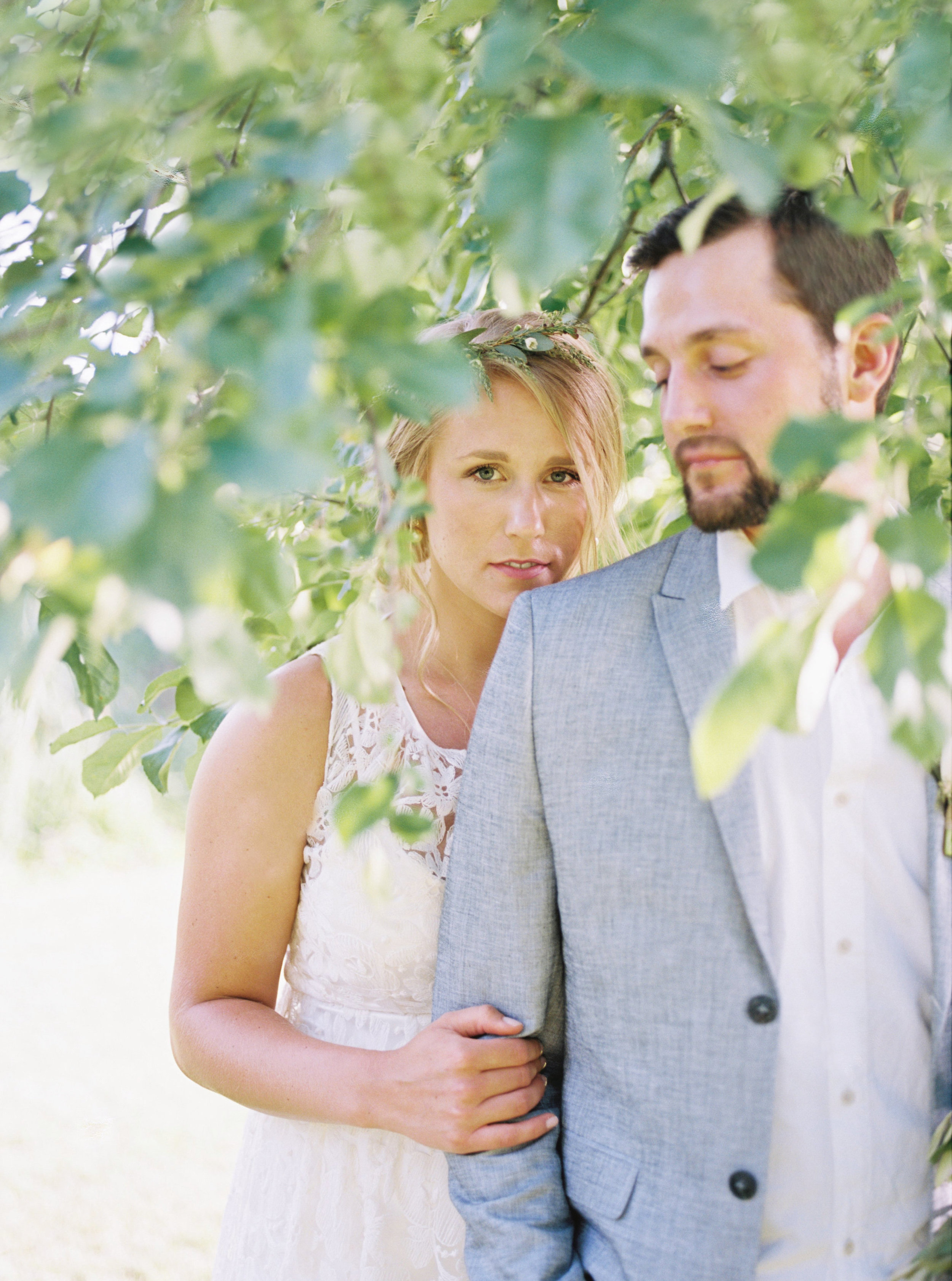 greenhouse-wedding-inspiration-by-laurelyn-savannah-photography-11.jpg