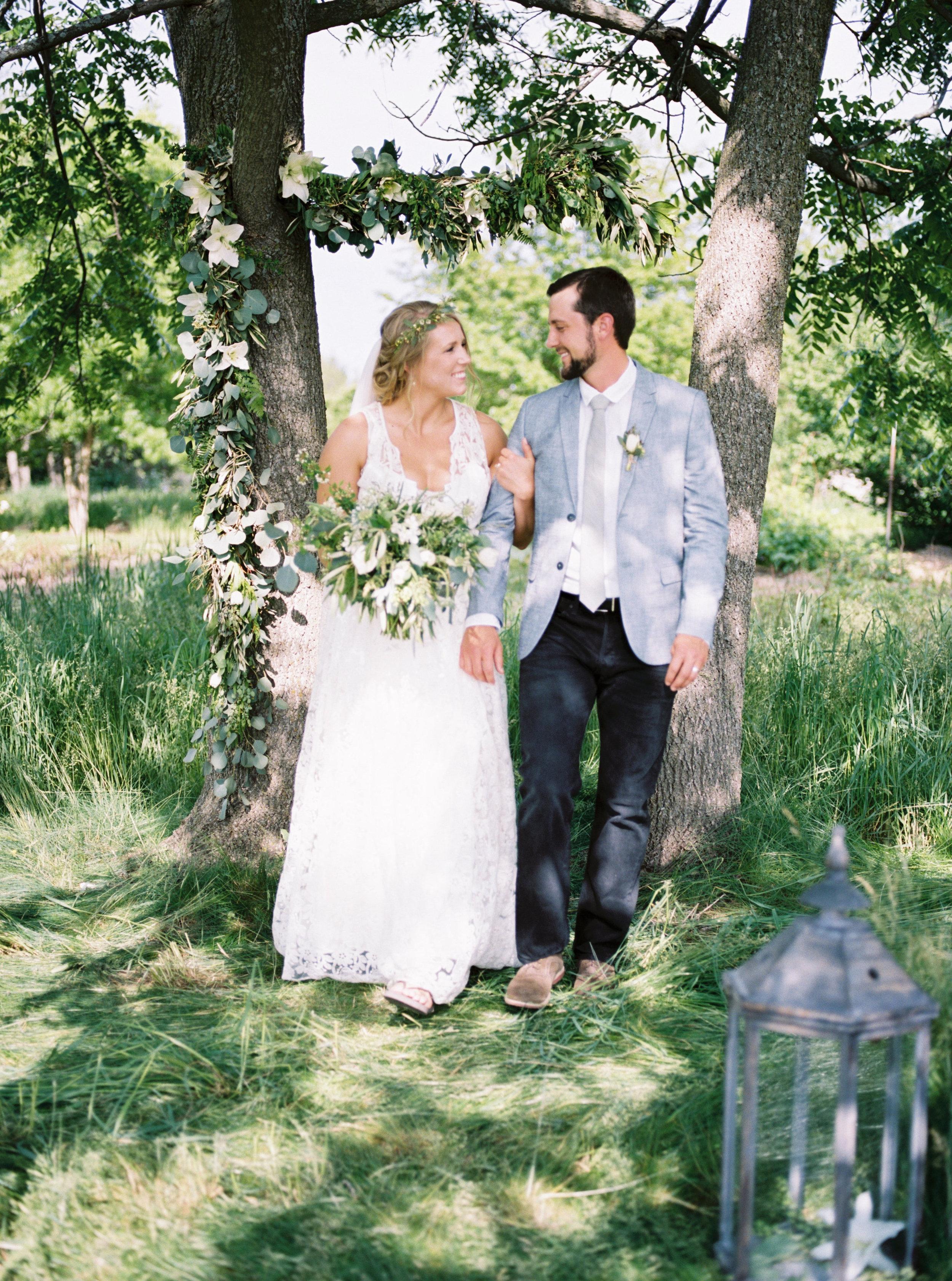 greenhouse-wedding-inspiration-by-laurelyn-savannah-photography-95.jpg