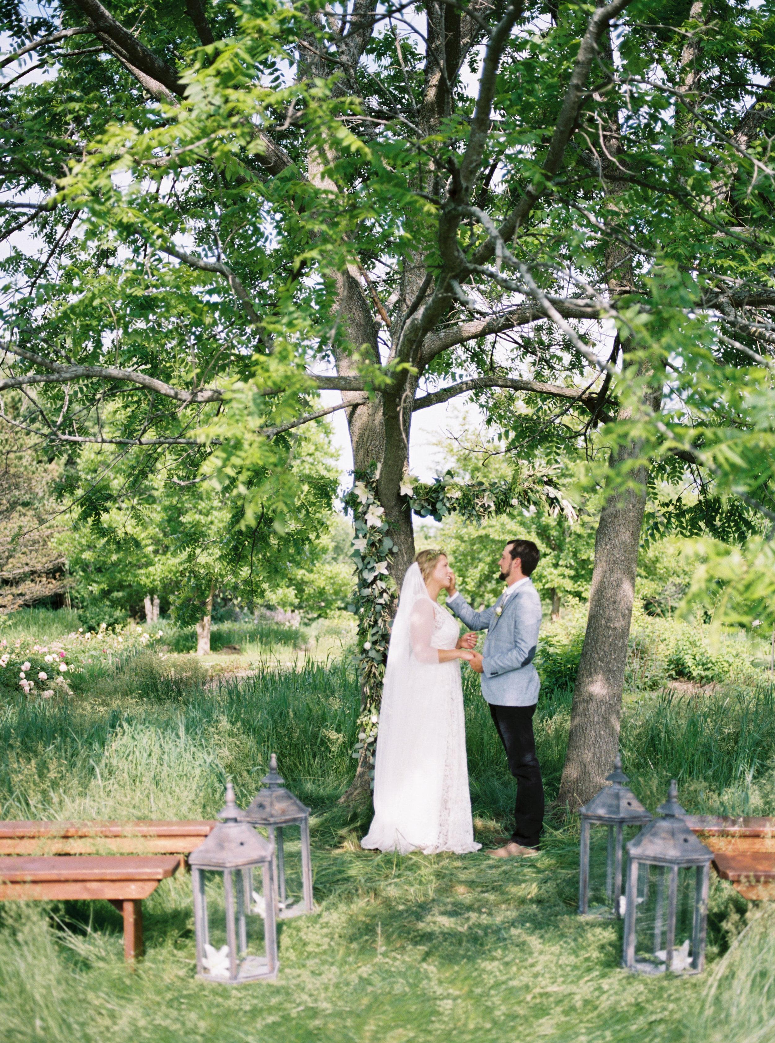 greenhouse-wedding-inspiration-by-laurelyn-savannah-photography-110.jpg