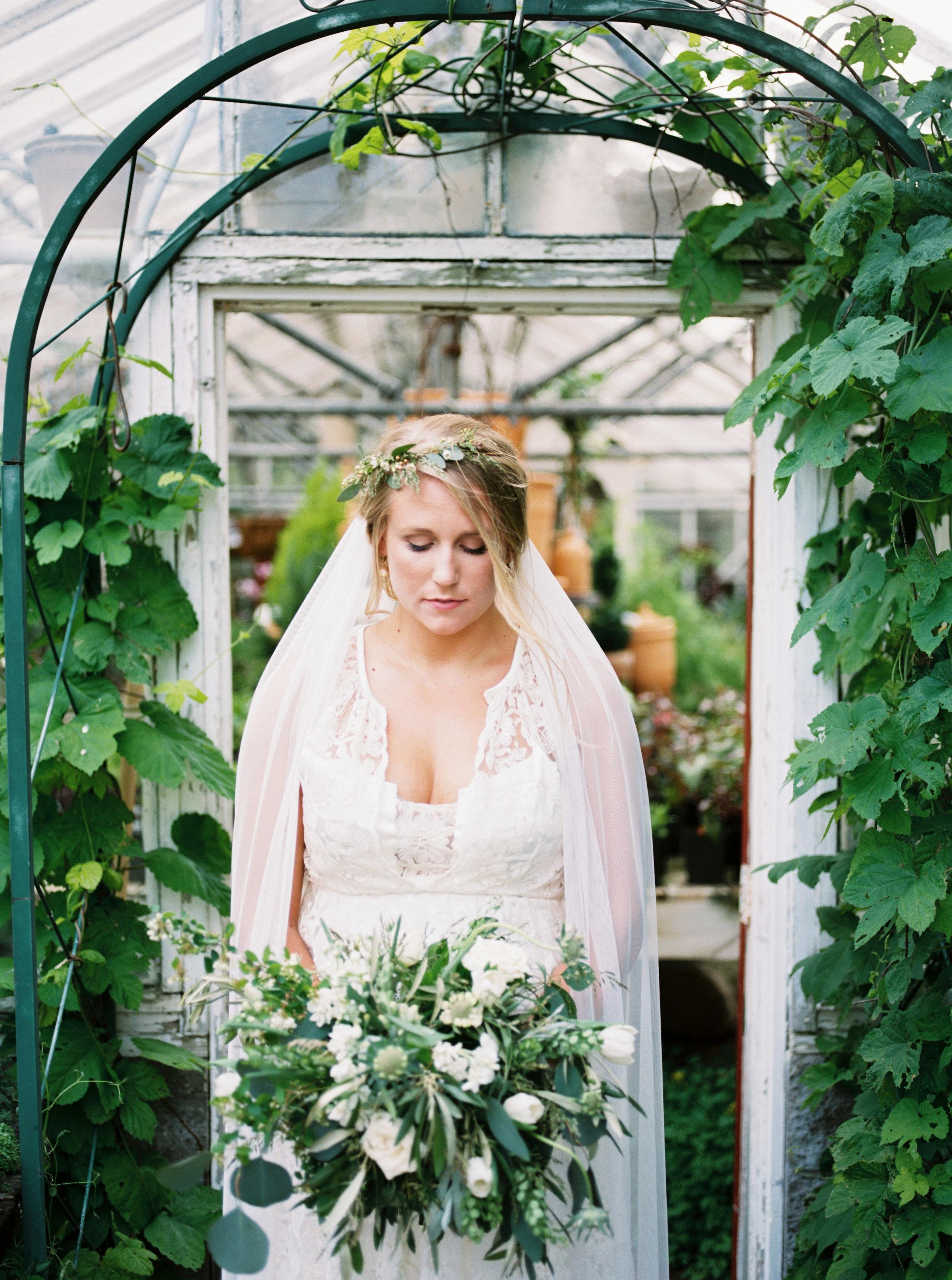 greenhouse-wedding-inspiration-by-laurelyn-savannah-photography-132.jpg
