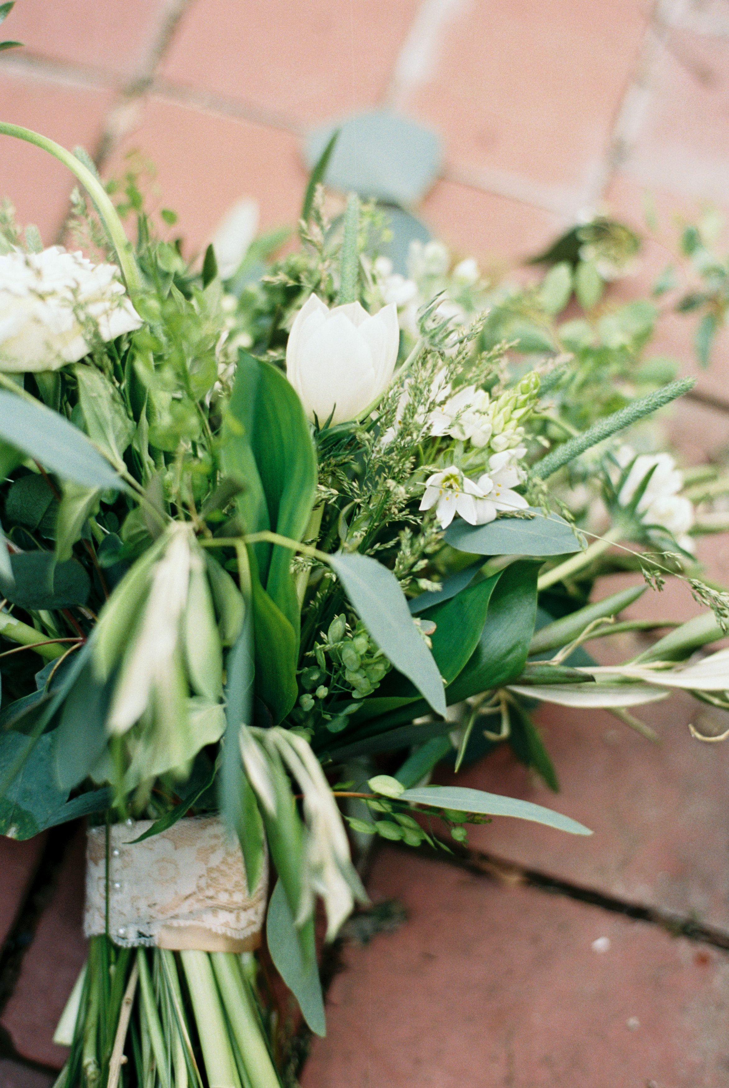 greenhouse-wedding-inspiration-by-laurelyn-savannah-photography-151.jpg