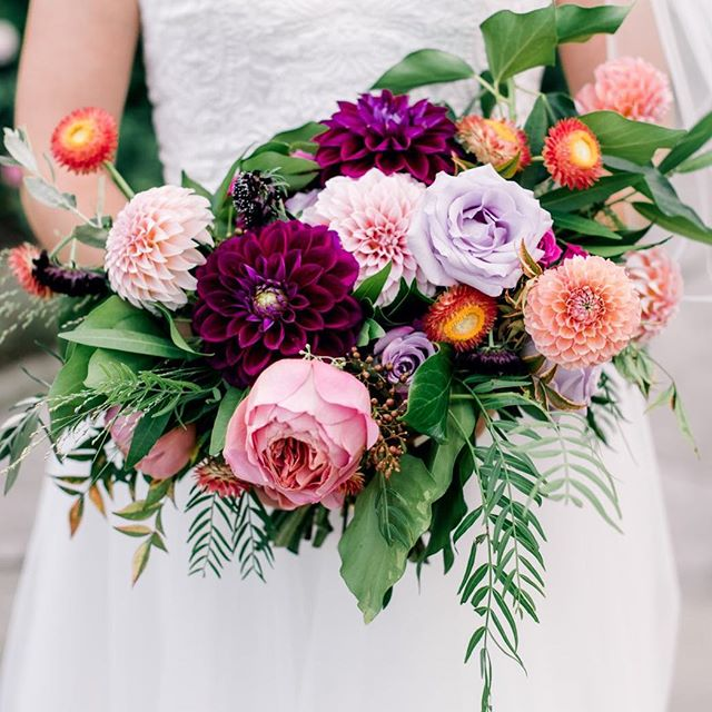 Posting another pic of the bouquet from last weekend's wedding because I'm obsessed with it! I love all bright colors and texture! Photography: @kristinleannephotography Floral: @mollytaylorandco