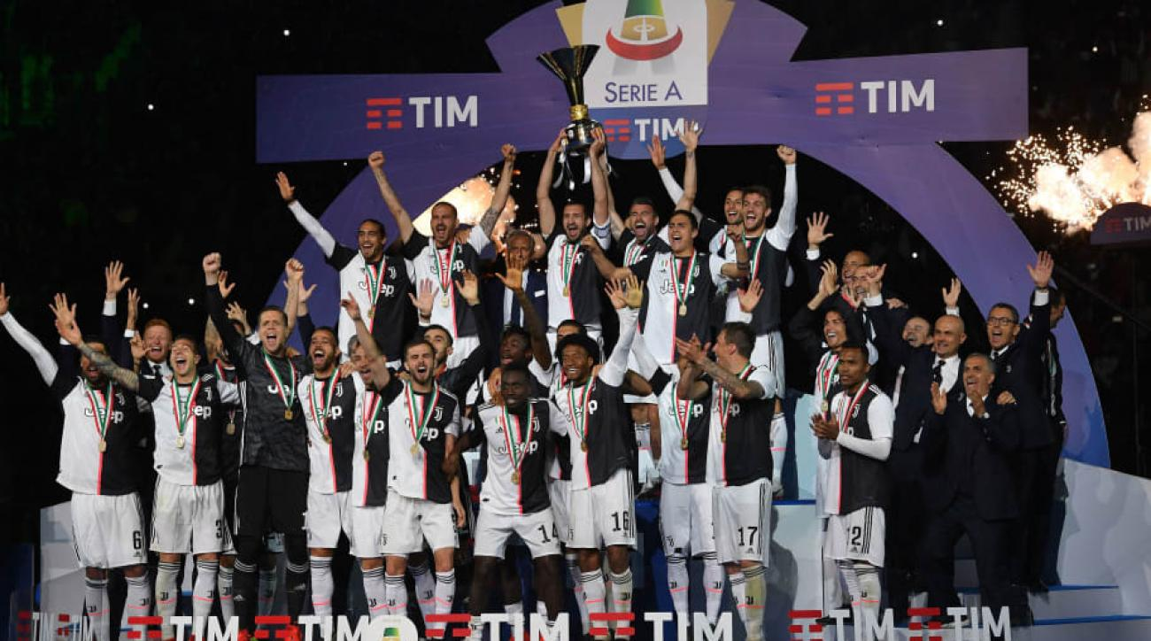 Juventus celebrating their 2018/19 Serie A title.