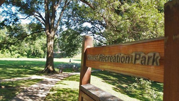 Hearst Park Sign.JPG
