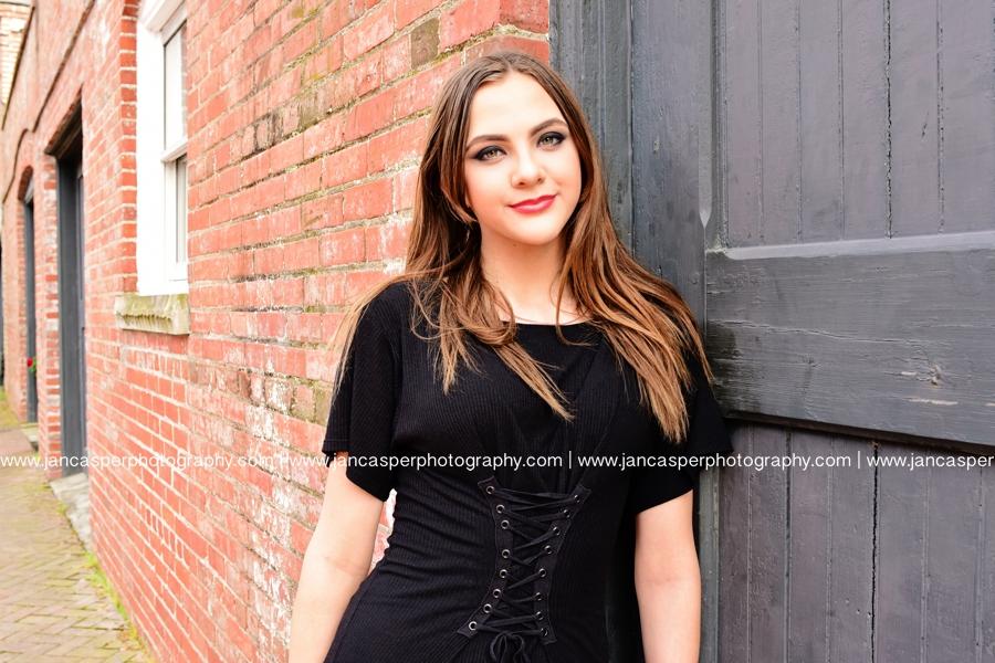 senior portrait downtown Norfolk Jan Casper Photography Freemason Norfolk
