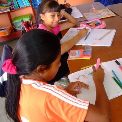 Otra Cosa HELP English program