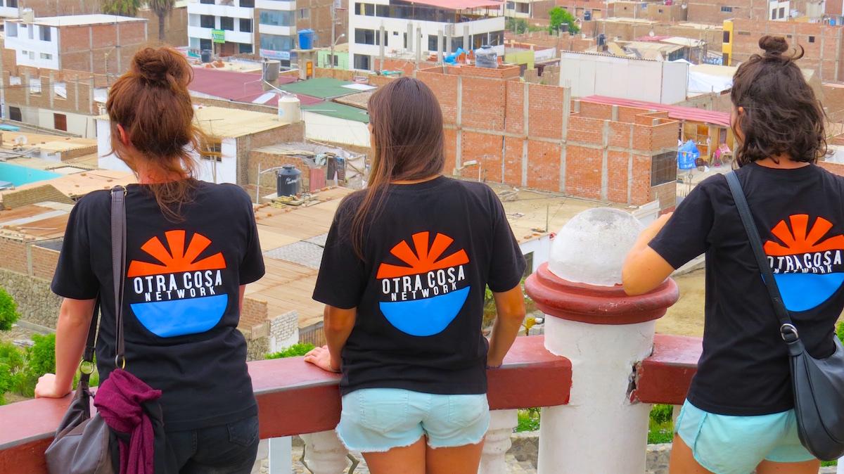 Otra Cosa volunteers