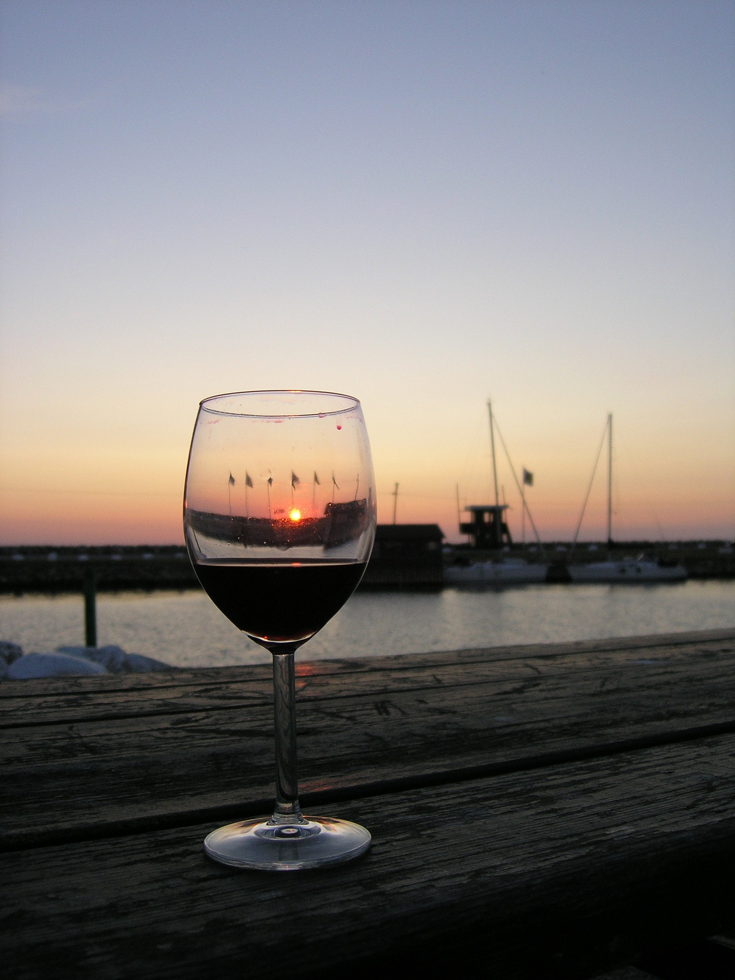 red-wine-742359_1920.jpg