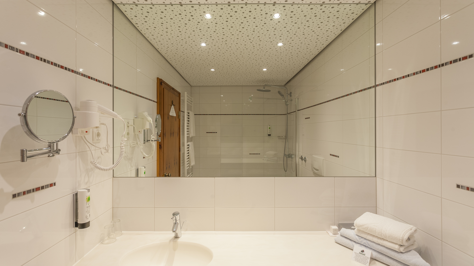 SJA Washroom 02.jpg