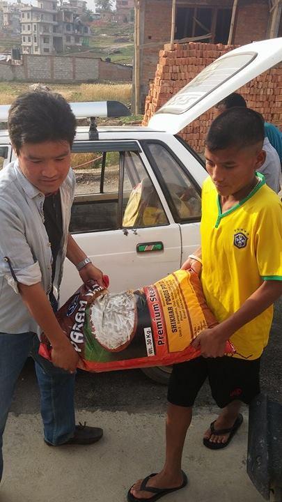 60 kg Rijst, linzen, aardappelen en andere voeding gedoneerd door Dipen.