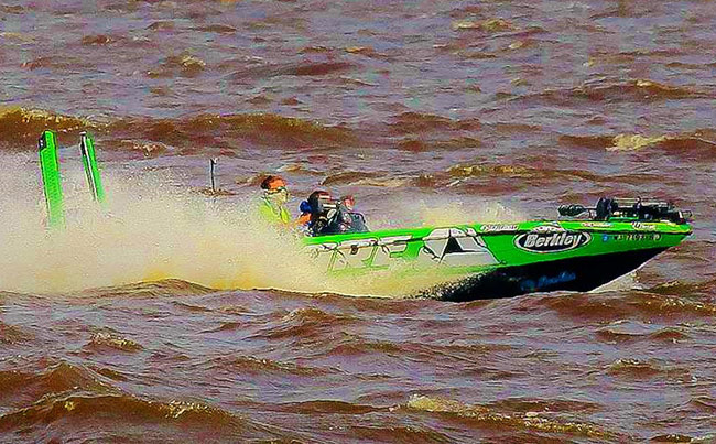 ARE pro Adrian Avena battling the waves on Day-2. - photo by James Overstreet, courtesy of BASSMASTER.com