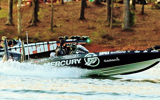 Early morning blast off on Lake Hartwell - photo by Steve Bowman, courtesy of BASSMASTER.com