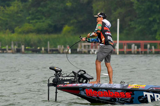 photo by Andy Crawford, courtesy of BASSMASTER.com