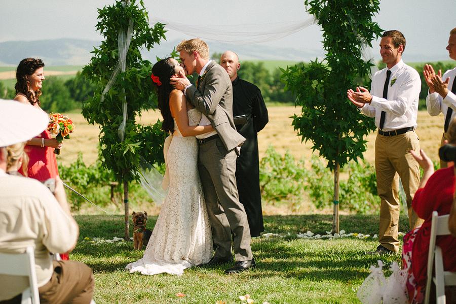 areus wedding wheat field walla walla keith+leah067.JPG