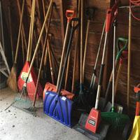 shovels200x200.jpg