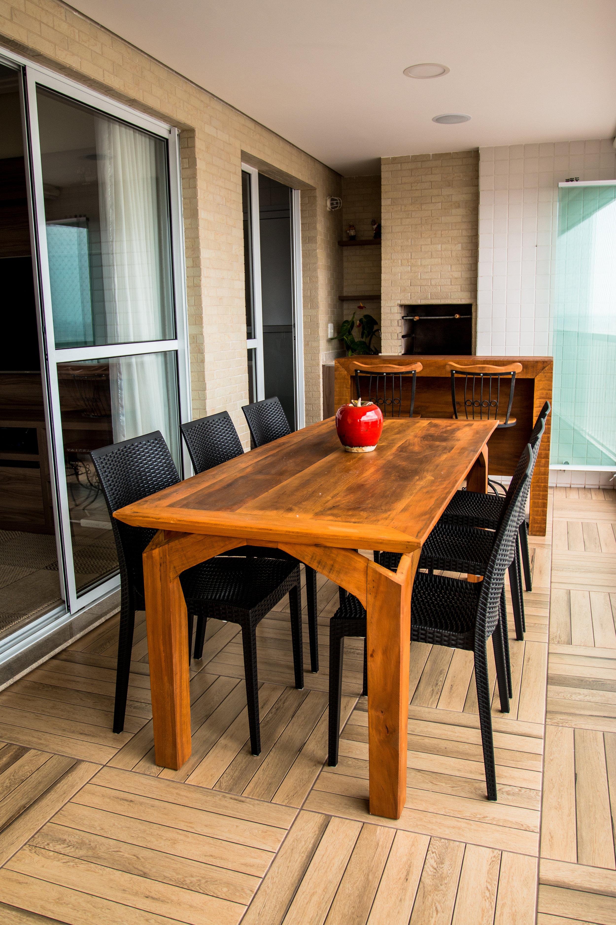 Varanda Gourmet com cadeira Ibiza preta 2.jpg
